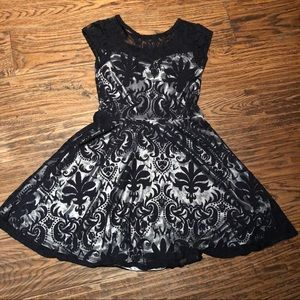 Dresses - 👗Girls lace overlay dress